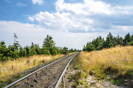 Photo pour Countryside railroad in a rural environment in the summer - image libre de droit
