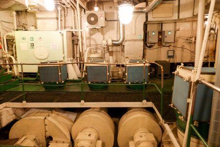 Photo pour MURMANSK, RUSSIA jun 2019 Interior of the Soviet atomic icebreaker Lenin steam turbine - image libre de droit