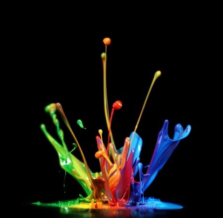 Foto de Colorful paint splashing - Imagen libre de derechos
