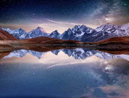 Photo pour Fantastic starry sky on mountain lake Koruldi. Picturesque night Upper Svaneti, Georgia Europe. Caucasus mountains. - image libre de droit