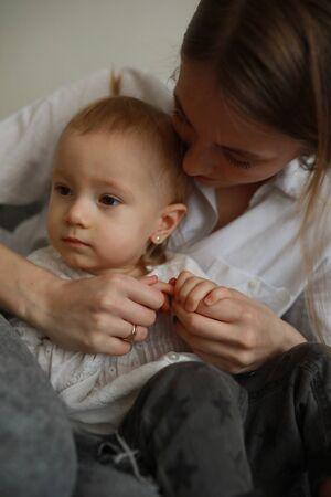 Photo pour Portrait mother with her little daughter. Closeup. - image libre de droit