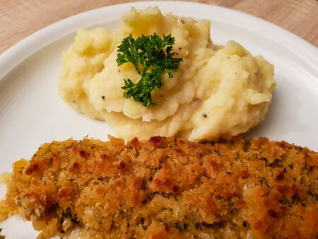 Fish fillet a la Bordelaise with mashed potatoes