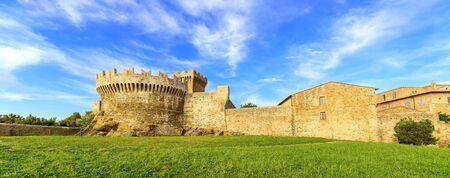 Populonia medieval village l