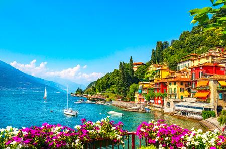 Foto de Varenna town in Como lake district. Italian traditional lake village. Italy, Europe. - Imagen libre de derechos
