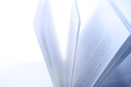 Photo pour Closeup of open book pages - image libre de droit