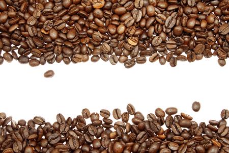 Photo pour Closeup of coffee beans on plain background - image libre de droit