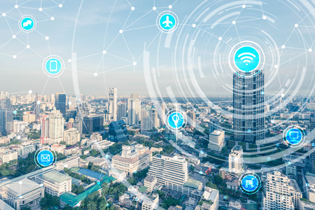 Photo pour smart city and wireless communication network, IoT(Internet of Things), ICT(Information Communication Technology) - image libre de droit