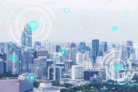 Foto de smart city and wireless communication network, IoT(Internet of Things), era of internet, internet of every things, internet in every day lifes - Imagen libre de derechos