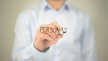 Personas , Man writing on transparent screen