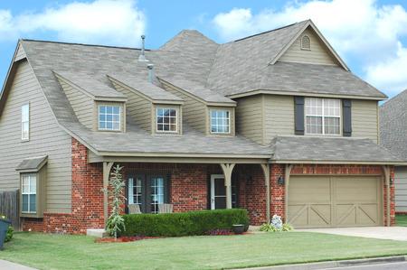 Foto de Luxury Home with new roof, beautiful windows and shutters - Imagen libre de derechos