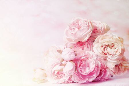 Photo pour Roses in mulberry paper with pastel tones for the background - image libre de droit
