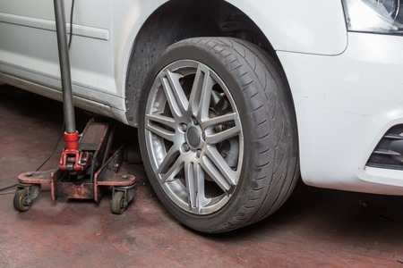 tire repairer, control worn tire for use