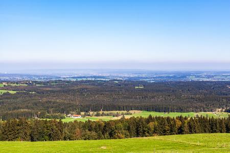 Photo pour View from Geigersau over the F?nfseenland - image libre de droit