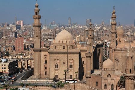 Photo pour Mosque in Cairo, Egypt - image libre de droit