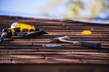 Photo pour roof repairing - image libre de droit