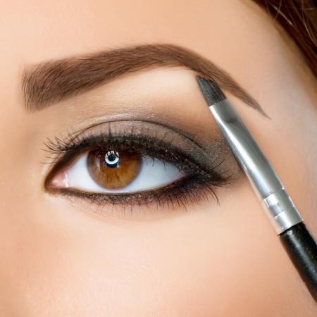 Make-up  Eyebrow Makeup  Brown Eyes