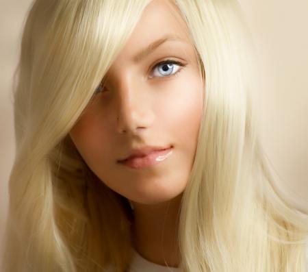Foto de Beautiful Blond Girl - Imagen libre de derechos