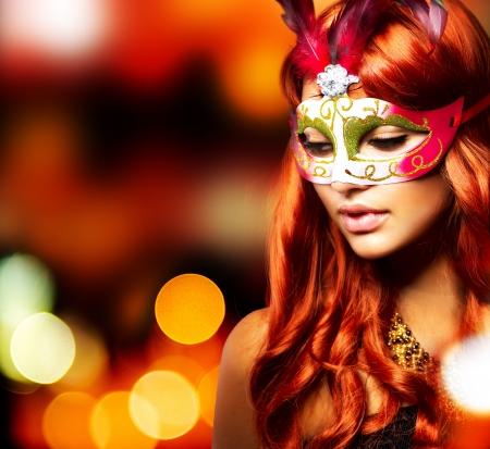 Photo pour Masquerade  Beautiful Girl in a Carnival mask  - image libre de droit