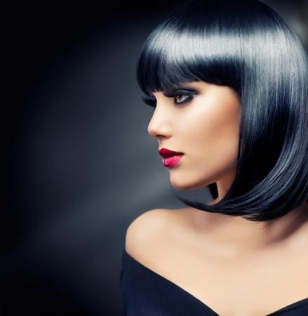 Photo pour Beautiful Brunette Girl  Healthy Black Hair  - image libre de droit