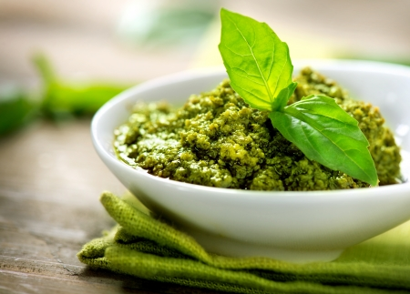Foto de Pesto Sauce  Italian Cuisine - Imagen libre de derechos