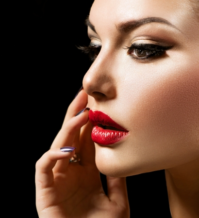 Beauty Woman with Perfect Makeup