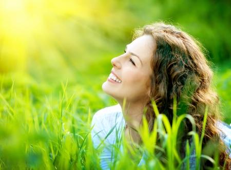 Photo pour Beautiful Young Woman Outdoors  Enjoy Nature - image libre de droit