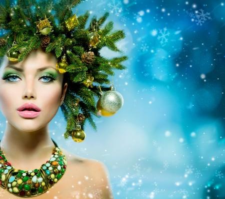 Christmas Woman  Christmas Tree Holiday Hairstyle and Make up