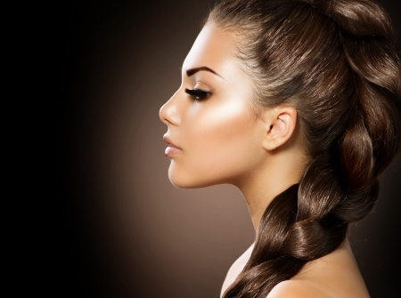 Photo pour Hair Braid  Beautiful Woman with Healthy Long Hair - image libre de droit
