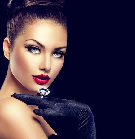Photo pour Beauty fashion glamour girl portrait over black - image libre de droit