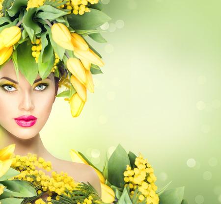 Foto de Beauty spring model girl with flowers hairstyle - Imagen libre de derechos