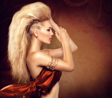 Foto de High fashion model girl with mohawk hairstyle - Imagen libre de derechos