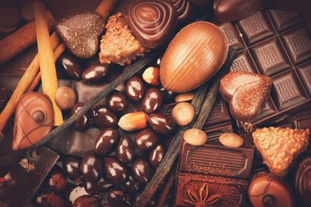 Photo pour Luxury chocolates background. Praline chocolate sweets - image libre de droit