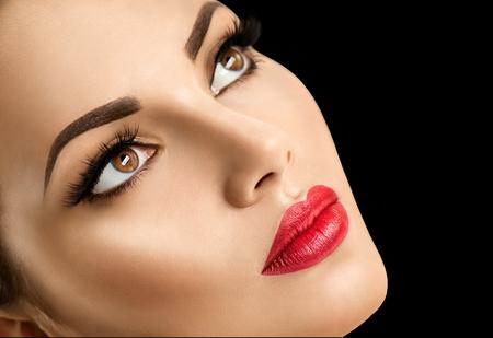 Foto de Beauty fashion model woman face, perfect make-up - Imagen libre de derechos
