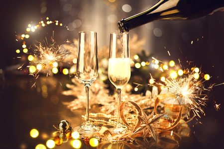 Photo pour Christmas and celebration with champagne. New Year holiday decorated table - image libre de droit