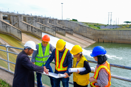Photo pour The engineering team is planning to develop the hydroelectric dam to generate electricity. - image libre de droit