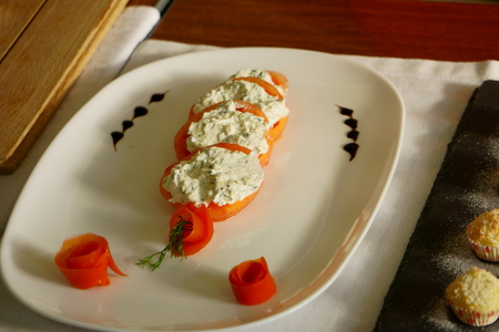 Tomatoes and cheese mousse salad