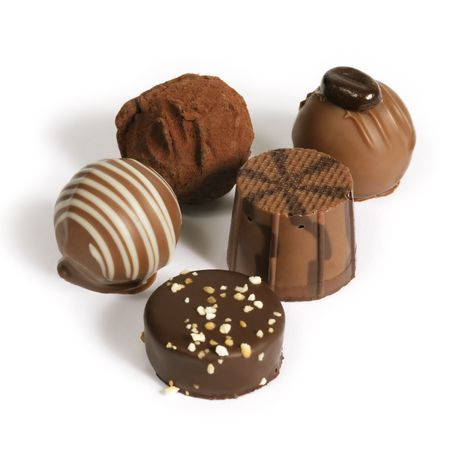 Photo pour Delicious dark, milk, and white chocolate pralines. - image libre de droit
