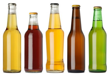 Photo pour Photo of five different full beer bottles with no labels. Separate for each bottle included. Five separate photos merged together. - image libre de droit