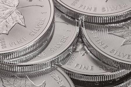 Photo pour Macro Close up of a 999% Silver Canadian Maple Leaf Bullion Coin - image libre de droit