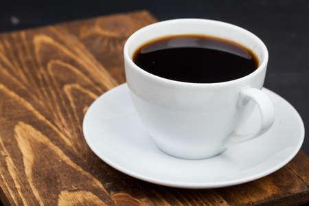 Photo pour Cup of tea on wood surface - image libre de droit