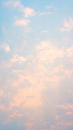 Photo pour Clouds on a blue sky in a pastel color. - image libre de droit