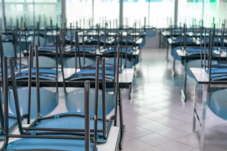 Photo pour chair on the table in the closed canteen - image libre de droit