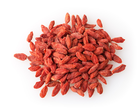 Photo pour Heap of goji berries isolated on white background - image libre de droit
