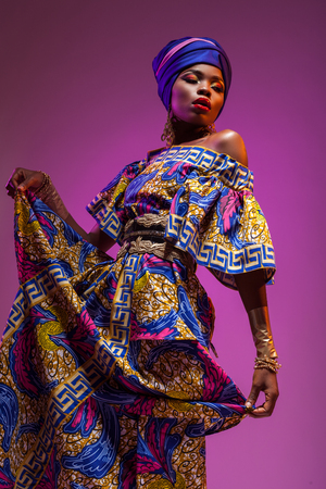Photo pour national costume African woman, beauty will save the world - image libre de droit