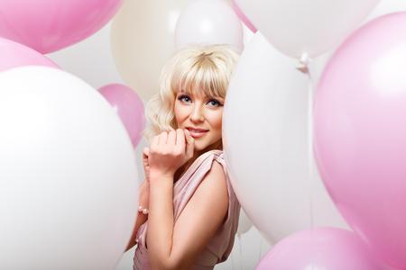 Foto de beautiful girl with balloons - Imagen libre de derechos