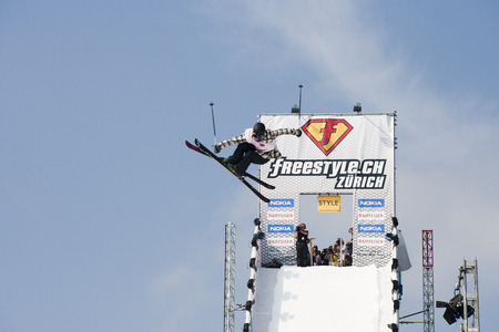 skier drops in at freestyle event in Zurich in 2009
