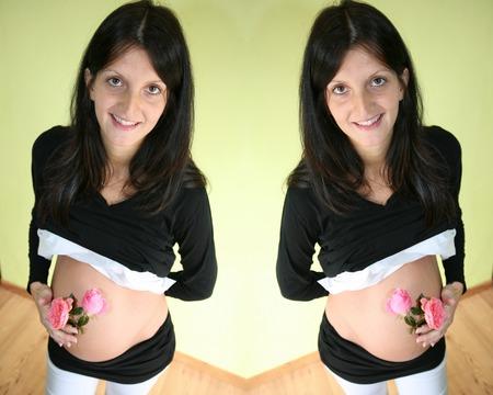 Photo pour pregnant woman twice - image libre de droit