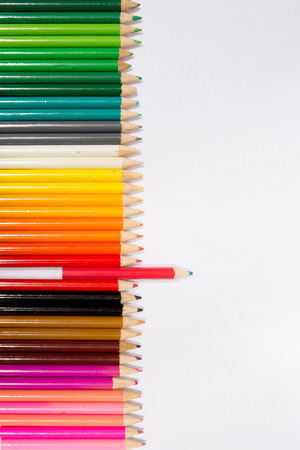 Photo pour Red pencil standing out from others - image libre de droit