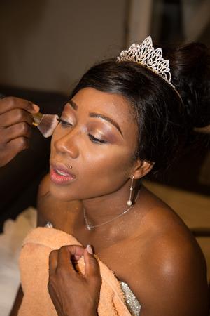 Foto de Beautiful black skin american makeup bride before wedding - Imagen libre de derechos