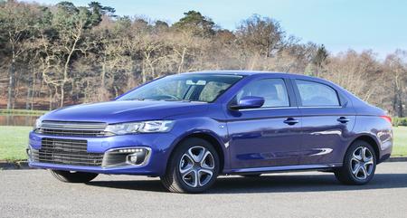 Photo pour blue car modern outdoor luxury vehicle - image libre de droit